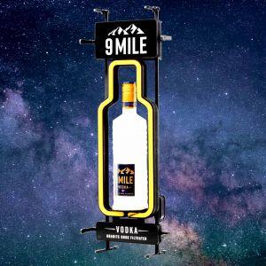 9 MILE leuchtender Bottle Shape Glorifire mit Vodka Flasche 9 Mile Logo und Befestigung